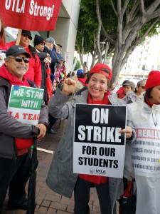 Profesora Virginia Márquez, en pie de lucha contra la privatización educativa.