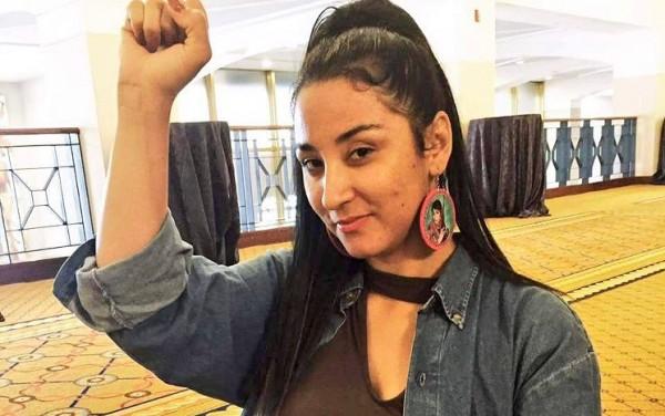 Alejandra Pablos en una foto publicada por grupos activistas en apoyo de su liberación de la inmigración. Phoenix New Times.