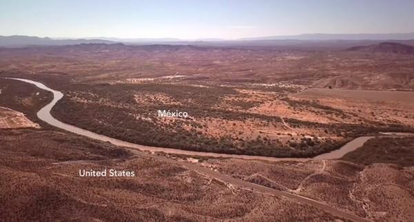 El duro terreno de Texas a lo largo de la frontera entre Estados Unidos y México. Foto: brookingsinstitution.edu.