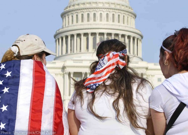 El gobierno puede exigir que ciertas personas sean detenidas durante sus procedimientos de deportación, sin una audiencia. Foto: ACLU.