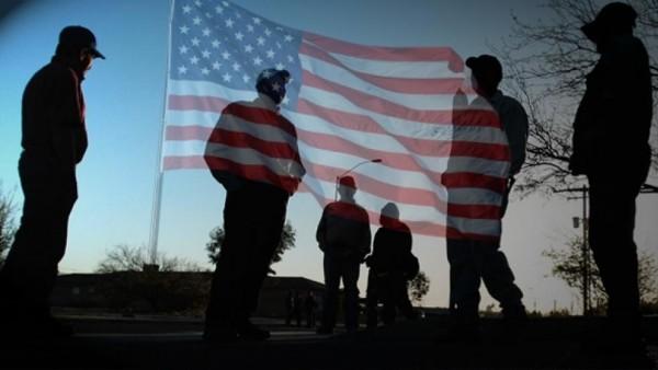 Los inmigrantes indocumentados pagan en impuestos casi la misma suma que la deuda externa de EEUU., por lo que debieran aspirar a su legalización. Foto: The Fiscal Times.