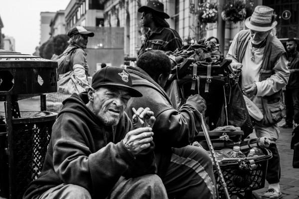 Escenas cada vez más communes en las calles de San Francisco y sus vecindarios como La Misión. Foto: http://tide.film/san-francisco-street-level/.