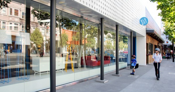 Nueva fachada de una de las calles de La Misión más recientemente. Foto: Bludot.com.