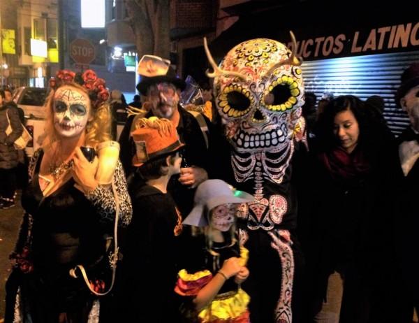 La celebración del Día de los Muertos en el barrio de La Misión en San Francisco. Foto: WilderUtopia.com.