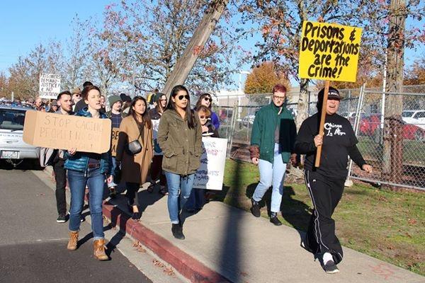 Activas del NWDC Resistance en Tacoma, WA. Foto: Maru Mora Villalpando.