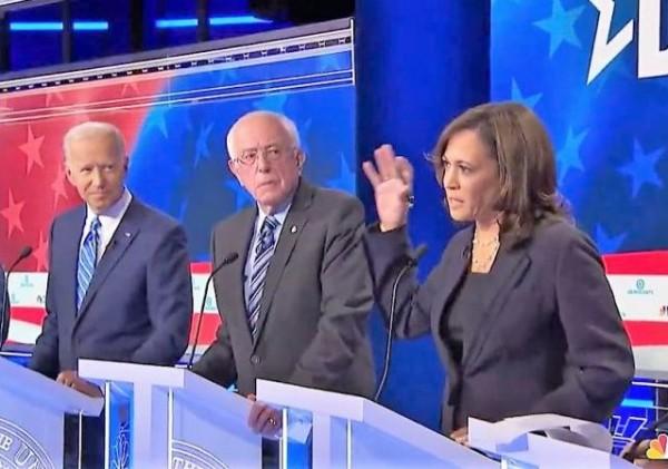En el Segundo debate por la candidatura del Partido Demócrata a las presidenciales de 2020. Bernie Sanders, Joe Biden y KamalaHarris. Foto: LongRoom.com.