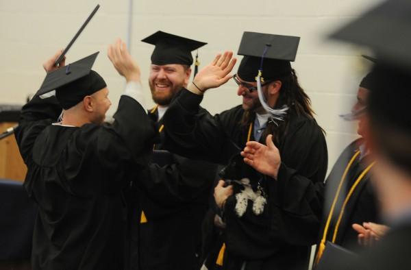 Algunos prisioneros en Maine han hecho un gran esfuerzo y se han graduado de la preparatoria estando en prisión. Foto: http://www.maineprisoneradvocacy.org.