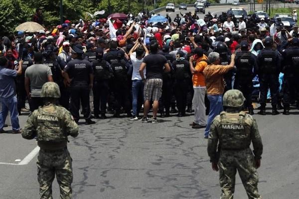 La guardia Nacional Mexicana frena el paso de los migrantes hacia México, como parte de un acuerdo amarrado hace meses entre México y Estados Unidos. Foto: La Izquierda Diario.