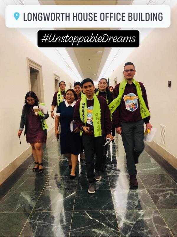 Soñadores cabildearon en el Congreso para lograr la aprobacion de la ley HR6. Foto: CHIRLA via Facebook