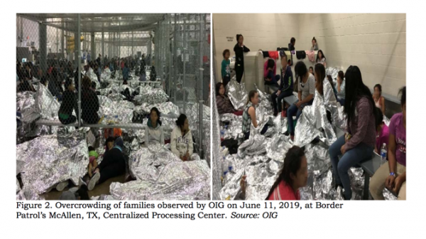 Menores detenidos en un centro de procesamiento de Inmigración en McCallen, Texas. Foto: www.ianwelsh.net.