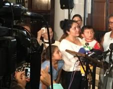 Amanda es una mujer guatemalteca que se acogió a Santuario el 17 de agosto de 2018 en la Iglesia de  la Santa Cruz/Holyroot en el vecindario de Washington, en la ciudad de Nueva York. Foto: MVG.