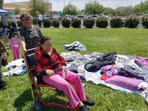 Erika y su mamá Teresita, nos muestran donde han dormido en las ultimas dos noches.