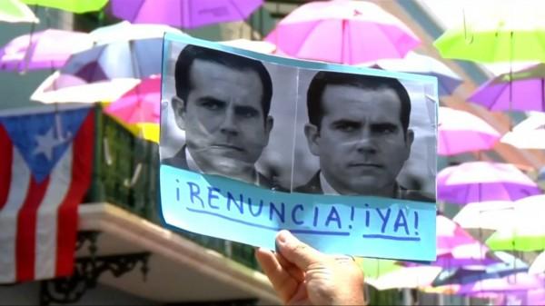 Durante la protesta en la que los puertorriqueños pedían la renuncia del gobernador, Ricardo Roselló en San Juan, PR. Foto: Global Vision.