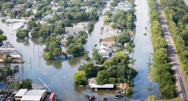 Estados Unidos no está preparado para sufrir grandes pérdidas económicas debido al cambio climático, dicen científicos federales en un nuevo informe. La nación ya ha comenzado a sentir esos efectos, como la intensa lluvia arrojada por el huracán Harvey en Texas y Luisiana en 2017. Foto: wwwsciencenews.com.