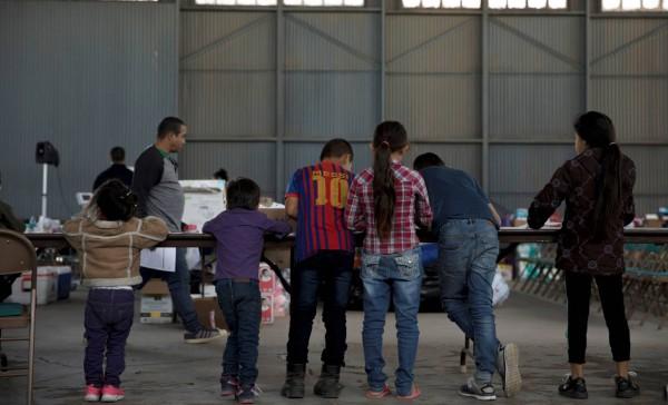 Más de 2 mil niños que permanecen aún recluidos en un centro de detención temporal ubicado en El Paso, Texas. Foto: www. elinformadorusa.com.