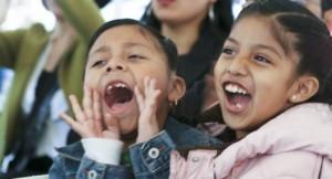 Niños inmigrantes rehúsan participar en almuerzos escolares por temor de sus padres a represalias de Inmigración en sus procesos de ajuste de estatus o a ser deportados. Foto: Cortesía del Centro Nacional de Leyes de Migración.