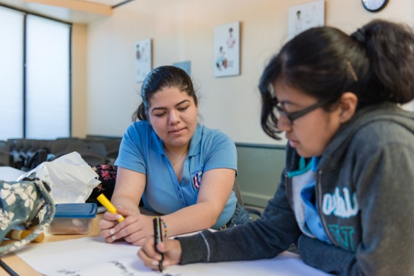 La juventud latina en California ve un aumento significativo en los problemas de salud mental y siquiátricos. Foto: California Healthline.