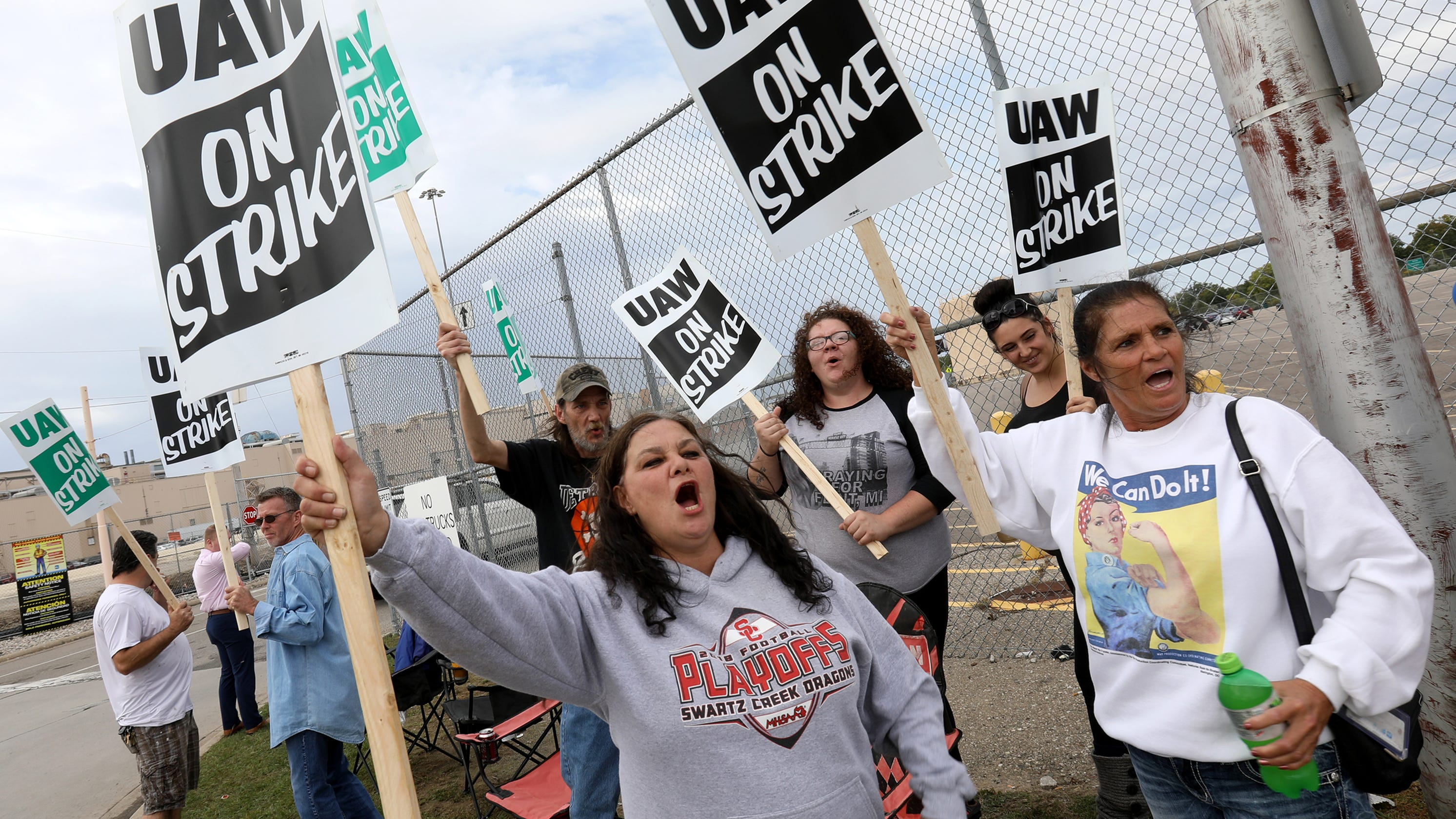 Tras fracasar las negociaciones en Detroit, el sindicato United Auto Workers convocó a una huelga nacional contra General Motors, que incluiría a los miembros locales en la planta de Spring Hill, Tennessee. Foto: www.tennessean.com.