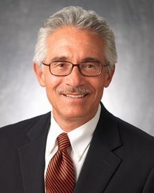 David Ayón, sociólogo experto en política nacional y asesor de alto perfil de la agencia encuestadora, Latino Decisions. Foto: Latino Decisions.