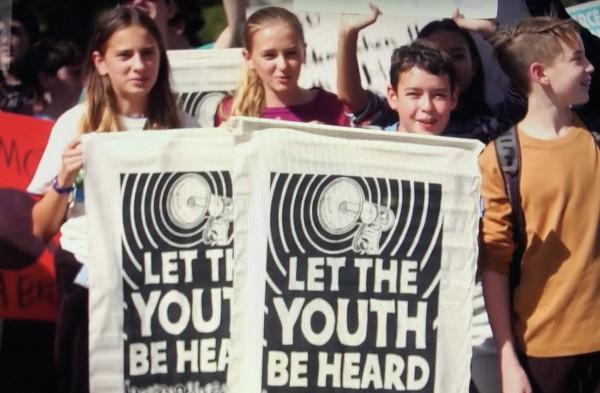 Adolescentes protestan en Washington, DC, durante una semana de masivas moviización contra el Cambio Climático.