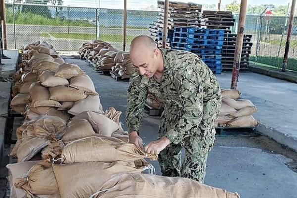 La seguridad primordial de los miembros del servicio militar son las familias y los aviones, dijo el coronel Stephen Snelson, de la base en el área de Tampa Bay, de La Florida, amenazada siempre por los huracanes de temporada. Foto: taskandpurpose.com.