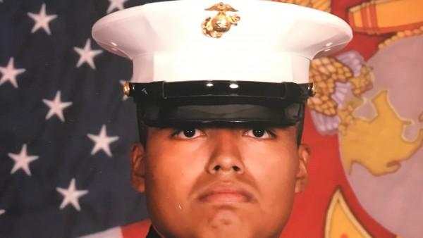 Jilmar Ramos Gómez, un marine condecorado como destacado veterano por su participación en la guerra de Afganistán, nacido en Grand Rapids, Michigan fue arrestado por ICE incluso trayendo consigo su pasaporte y otra identificación oficial, y fue puesto en proceso de deportación hasta que se acalró su caso. Foto: ACLU Michigan.