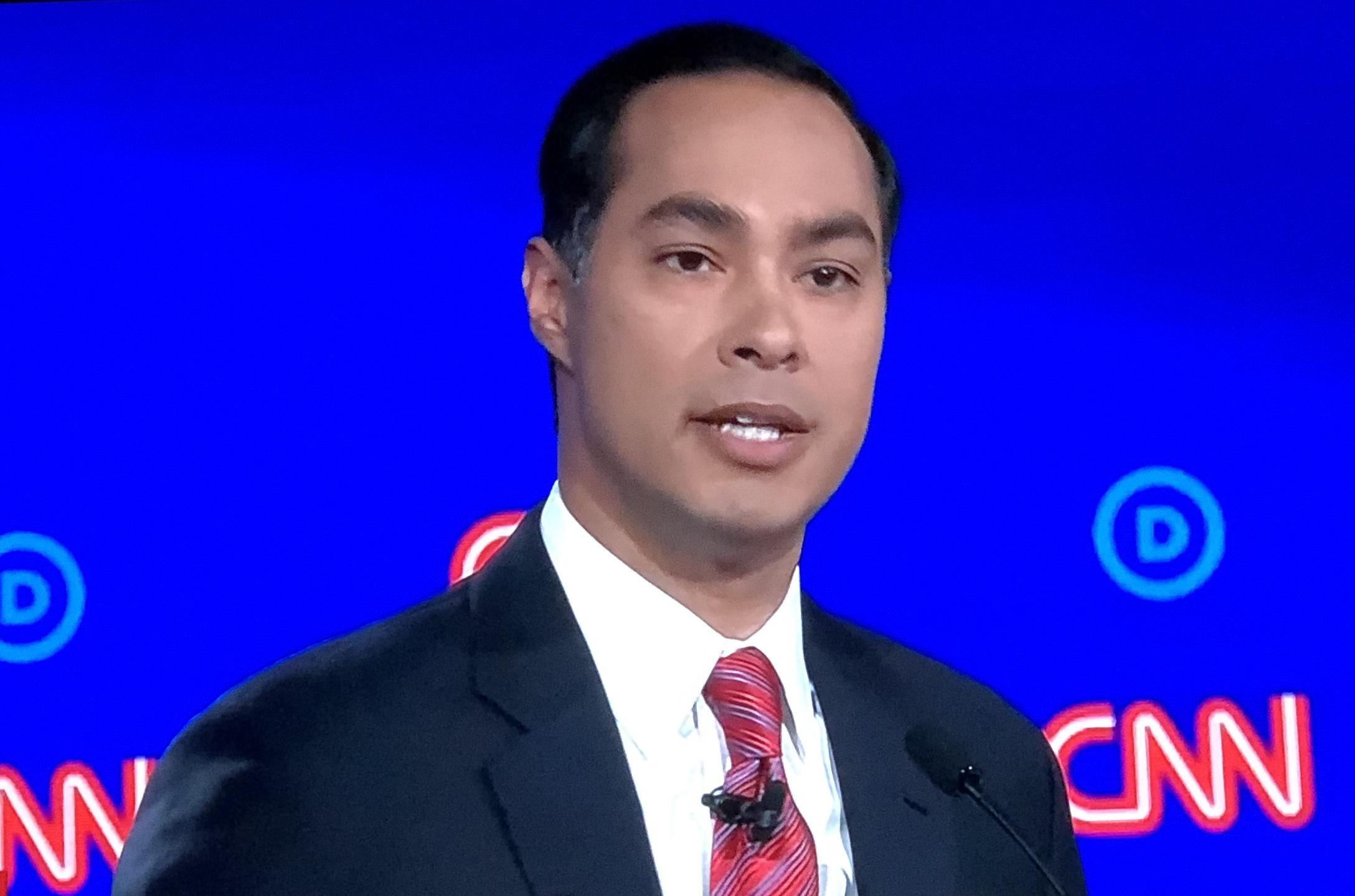 Joaquín Castro ex Secretario de Vivienda bajo la administración Obama, y también precandidato demócrata para la elecciones presidenciales del 2020.