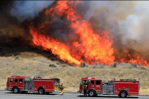 2018 infligió una ola de incendios devastadores en California. Ahora los expertos advierten que 2019 podría ser una repetición. Foto: www.strangesounds.org.