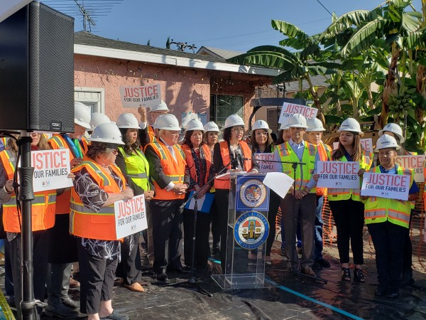 Asambleísta Cristina García anuncia los fondos millonarios para limpiar casas contaminadas por Exide.