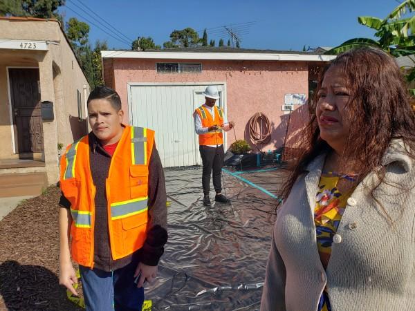 Delia Terrazas y su hijo José Antonio, seriamente impactado por la contaminación de plomo de la planta de baterías Exide Technology.