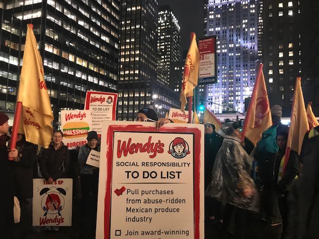 En la marcha de la CIW por la ciudad de Nueva York.