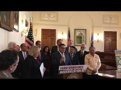 El representante demócrata de California, Salud Carbajal presenta el proyecto de ley agrícola bipartidista. Foto: www.youtube.com.