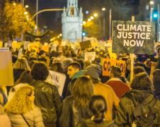 Marcha por el cambio climático fuera de la cumbre de la ONU COP25 en Madrid, España. Foto: Amigos de la Tierra Internacional.