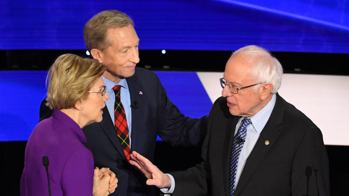 Elizabeth Warren, Tom Steyer y Bernie Sanders en el debate de los precandidatos demócratas en Iowa. Foto: https://sputniknews.com.