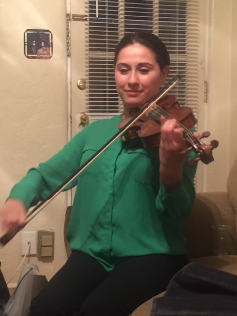 Violinista Sheila Martínez. Foto D. Sheehy.