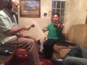 Violinista Sheila Martínez grabada por el micrófono de Línea Abierta. Foto: D. Sheehy.