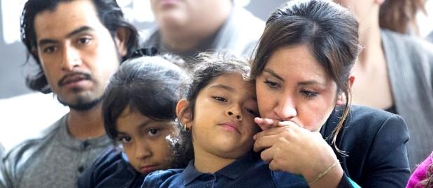 Familia inmigrante de El Bronx, NY, temen solicitar ningún beneficio público por temor a anular su proceso de ajuste de estatus, como represalia de las autoridades de Inmigración. Foto: The Bronx Free Press.
