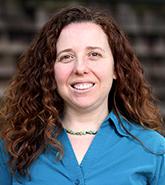 Laurel Lucia, investigadora experta en políticas de salud en California.