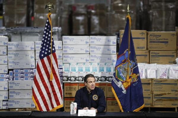 Gobernador de Nueva York, Andrew Cuomo en conferencia de prensa anuncia medidas contra el coronavirus. Foto: thebrunswicknews.com.