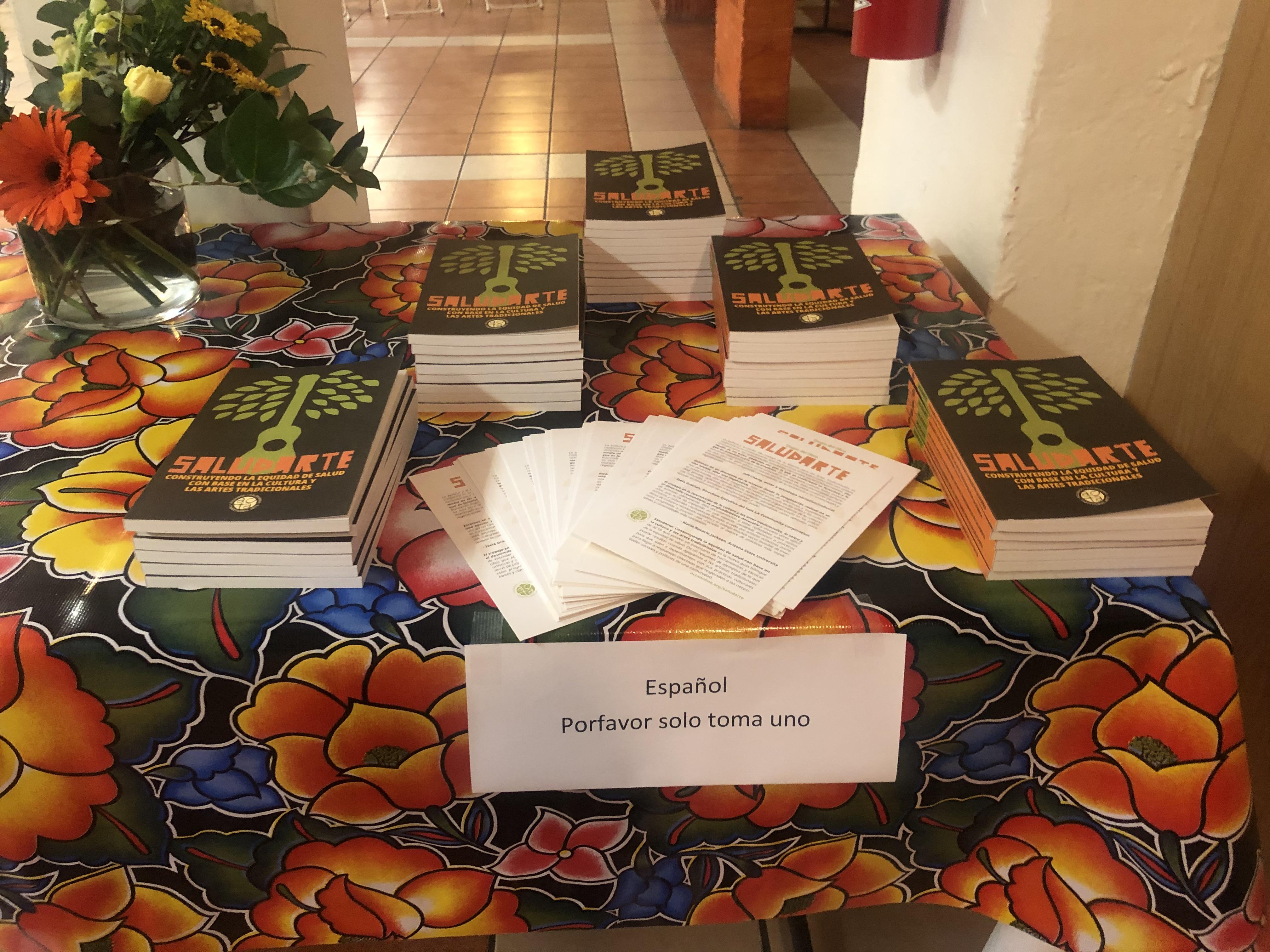 Presentación de Libro SaludArte en Boyle Heights. Un libro con ilustraciones, consejos, arte y temas relacionados a la equidad de salud en la comunidad Latina.