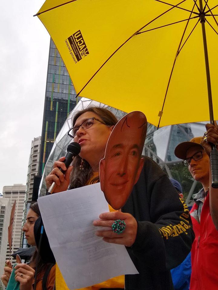 Maru Mora Villalpando, de La Resistencia al NWD- durante una protesta.