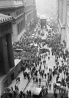 Las líneas del desempleo en Wall Street, Nueva York en 1929. Foto: Wikipedia.