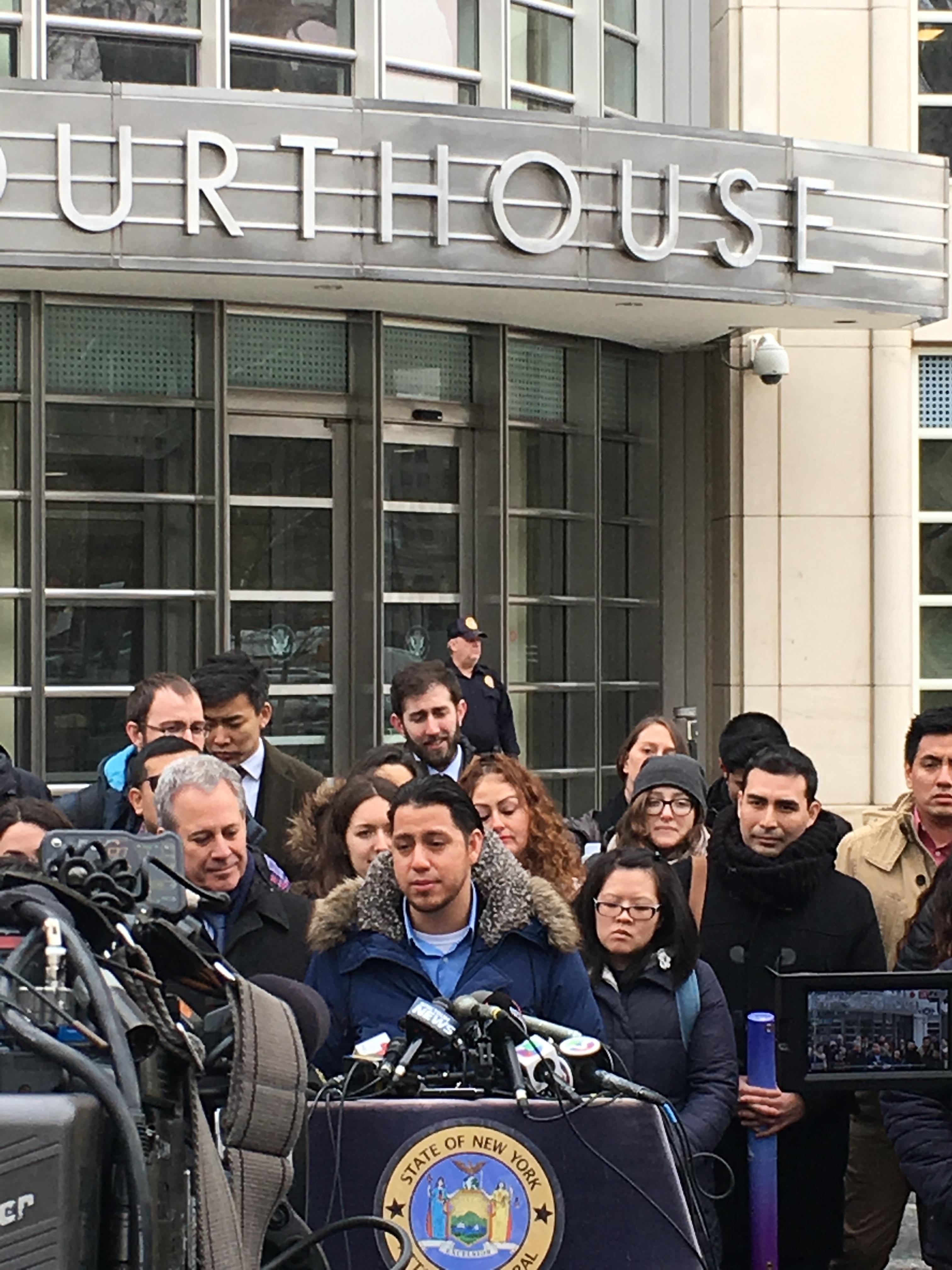 Martin Batalla  tras ganar el caso  'Batalla Vidal v. McAleenan'  frente a la corte federal de Distrito en Brooklyn, NY, 30 de nero de 2018. Foto: MVG.