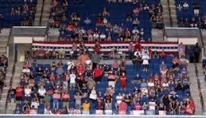 En el evento de campaña de Trump en Tulsa, Oklahoma este sábado, programado para una audiencia de 19 mil espectadores, tuvo una escasa asistencia de casi 6 mil. Foto: Digg.com.
