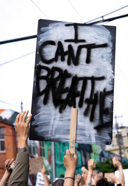 Manifestación contra el racismo en Seattle, WA. Foto: Lisa Ahlberg.