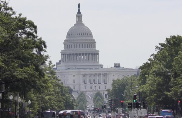 Hoy reanudan debate sobre proyecto de infraestructura para el gasto social en el edificio del Capitolio que alberga al Congreso.. Foto: Jose Zamorano.