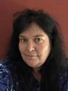 Elena Ortiz es residente de Santa Fe, Nuevo México, y encabeza la coalición de Red Nation. Es también miembra de la tribu Okhay Owingeh, y organizó la protesta en Alcalde. Foto: Cortesía de Elena Ortiz.