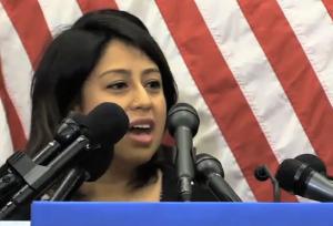 Jennifer Molina, portavoz de la campaña de Joe Biden.