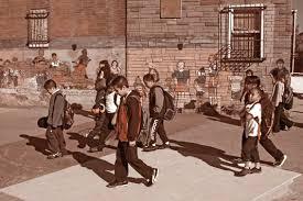 Escuela pública en un vecindario latino. Foto: https://latinostudies.nd.edu.