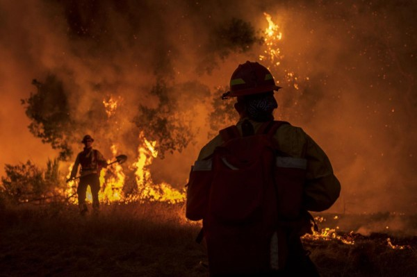 Otro de los incendios en Carmel Valley. Foto: Nic Coury / Free Press.